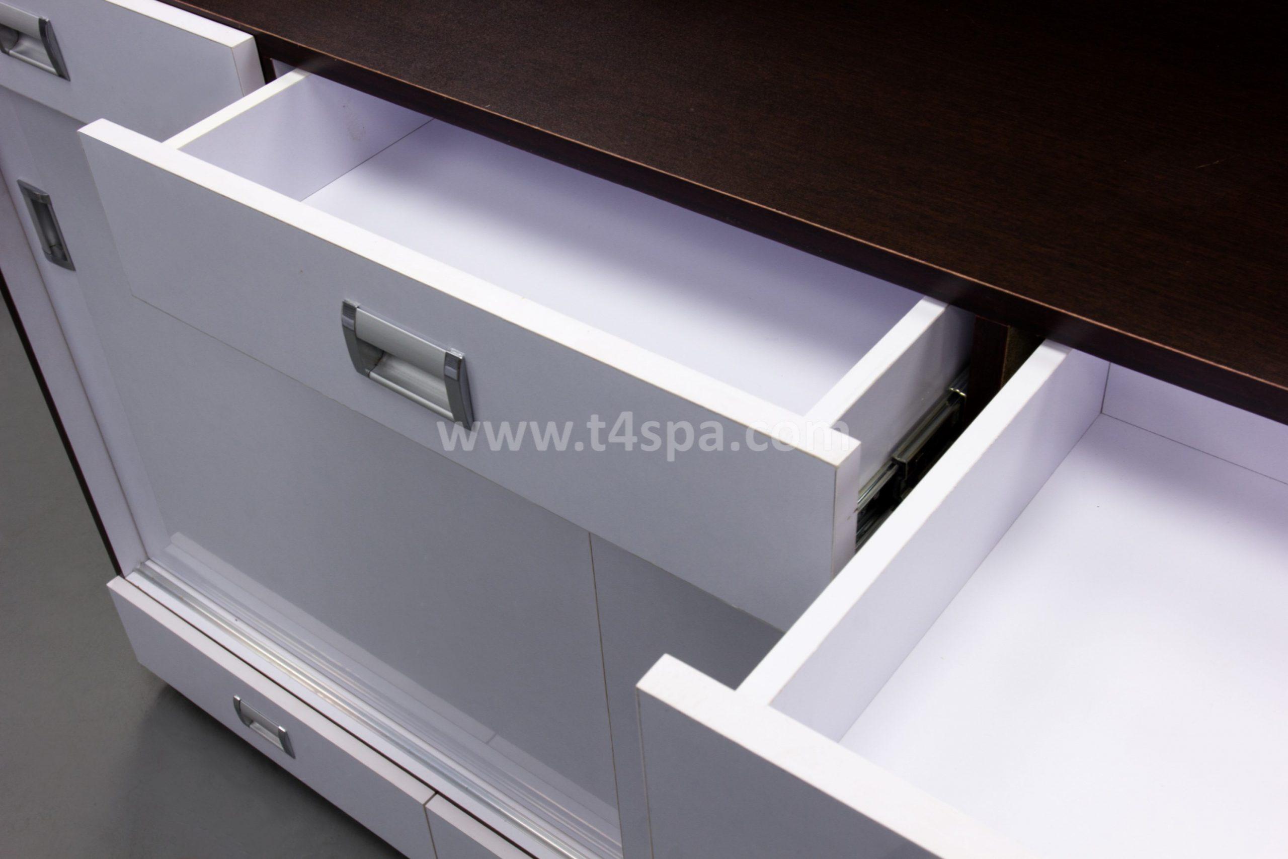 TD-357 Reception Glossy White + Dark Wood Detail (4)