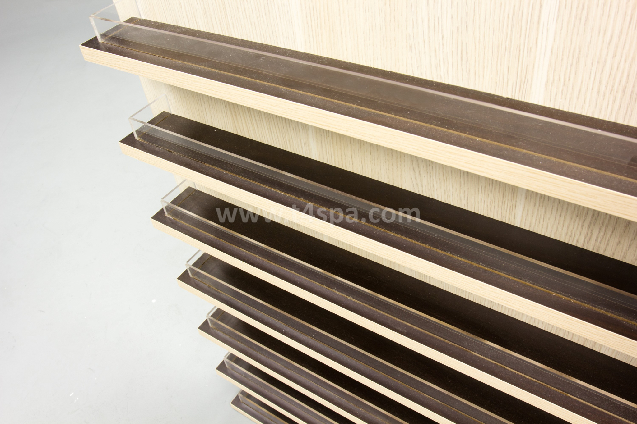 TD-9031 Wall Polish Rack Dark wood Detail (4)