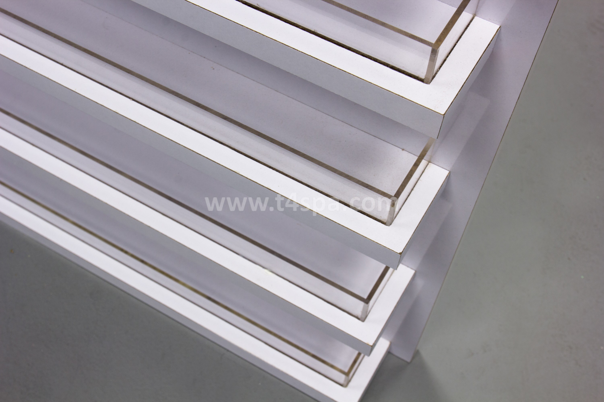 TD-9031 Wall Polish Rack Glossy White Detail (4)