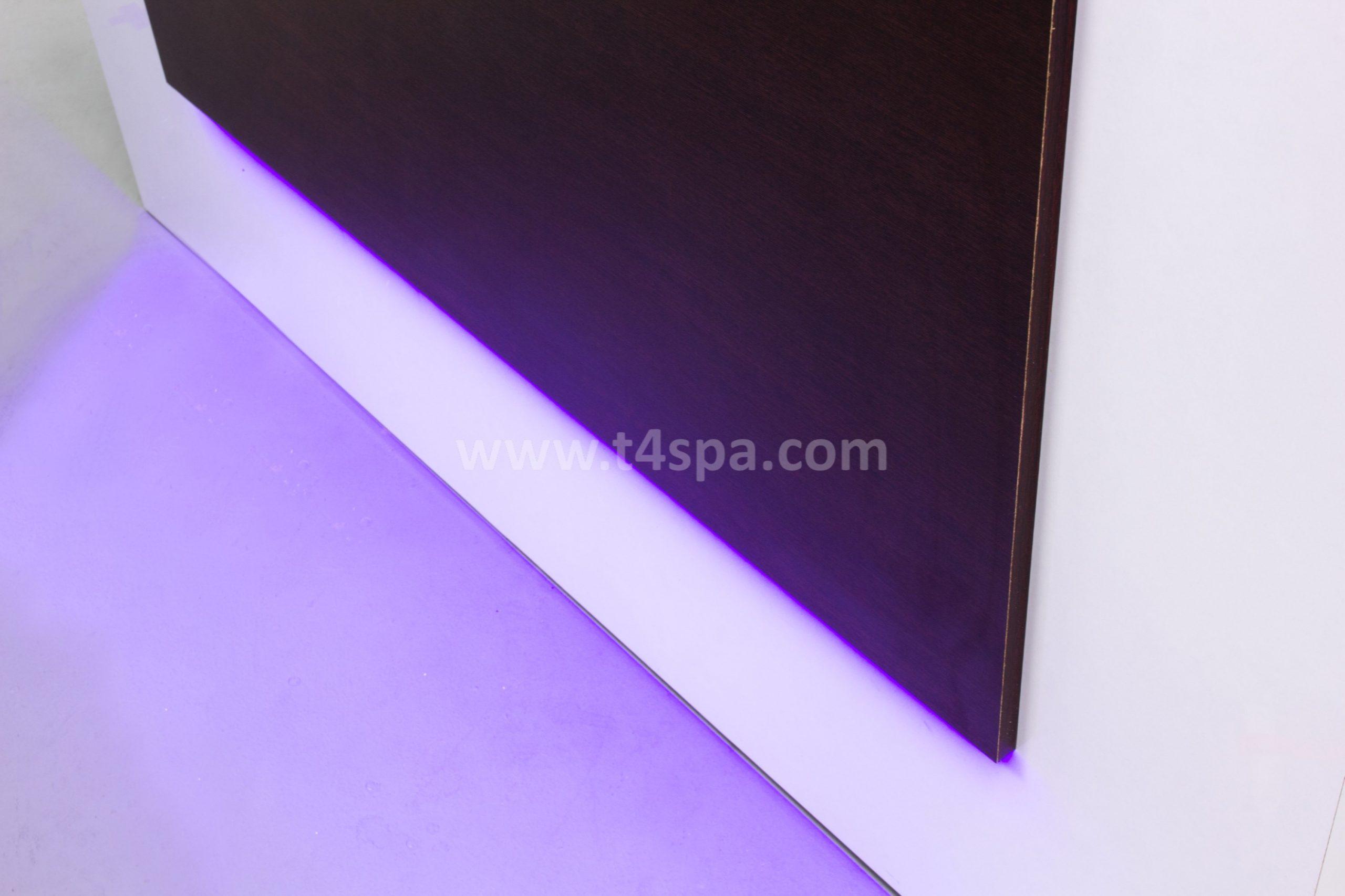 TD-357 Reception Glossy White + Dark Wood Detail (1)