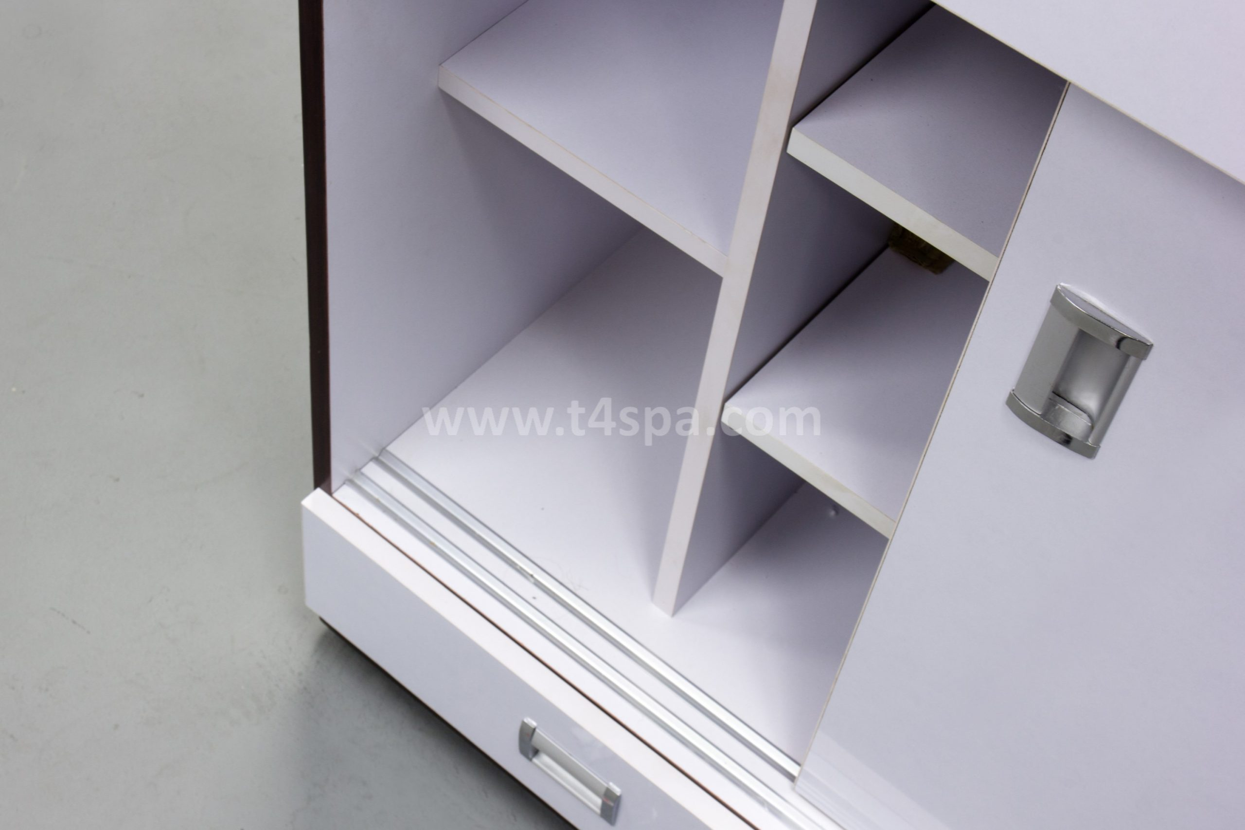 TD-357 Reception Glossy White + Dark Wood Detail (2)